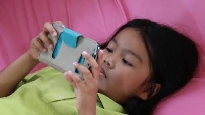 عوارض بازی با موبایل برای کودکان